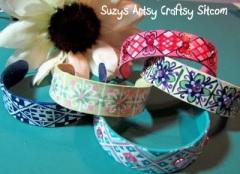 http://suzyssitcom.com/2011/04/feature-friday-popsicle-bracelets.html